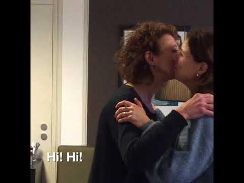 2 glimpse   how the Dutch say 'hello'
